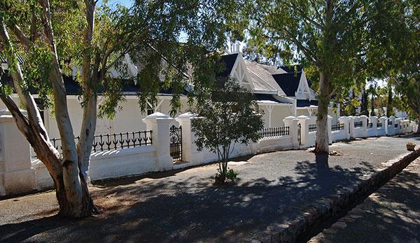 Semi-detached cottages in Matjiesfontein