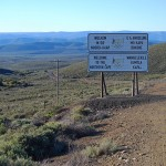 The road linking Matjiesfontein and Sutherland crosses the provincial boundary between the Western and Northern Cape