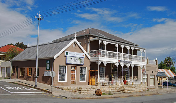 Accommodation In Beaufort West Clyde House Is A National Monument And Accommodates The Karoo Backpackers
