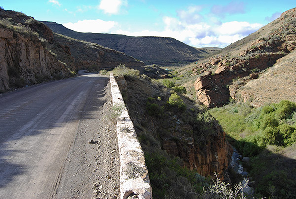 Molteno Pass between Beaufort West and Loxton