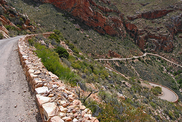 Precipitous northern descent of the Swartberg Pass