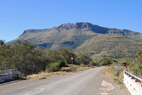 Doringbosberg towers above the Little Fish River